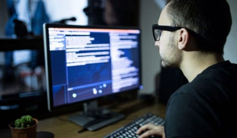 5 Types of web developers who may help to design your website